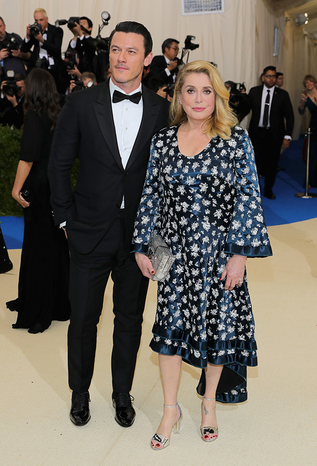 Catherine-Deneuve-Luke-Evans-vuitton